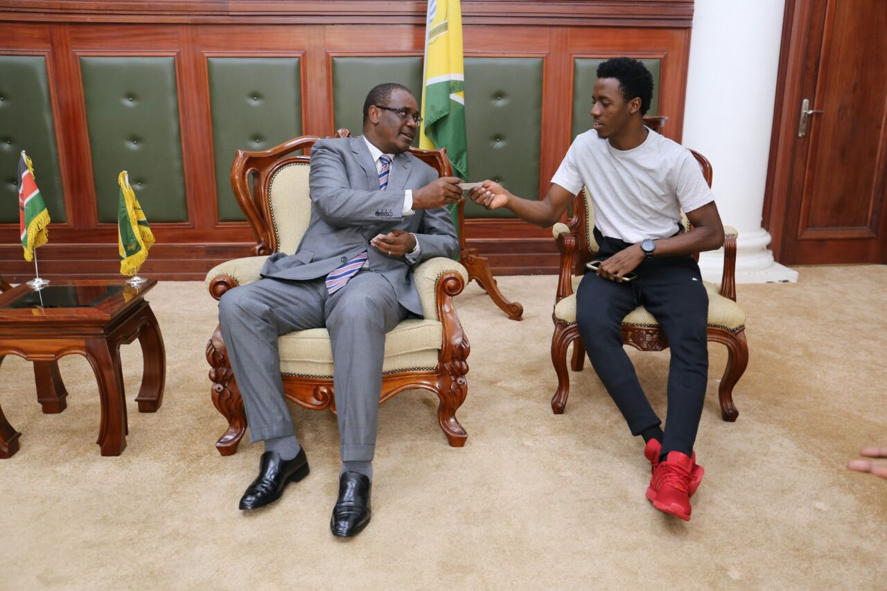 Governor Kidero Hosts Jaimaican Star Romain Virgio Ahead of